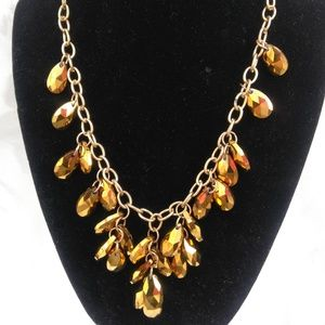 Jewelry - Necklace 2pc set, gold beads tear drops